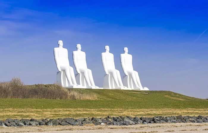 """Skulpturengruppe """"Der Mensch am Meer"""""""
